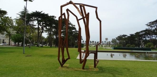 O escultor alemão, Robert  ...