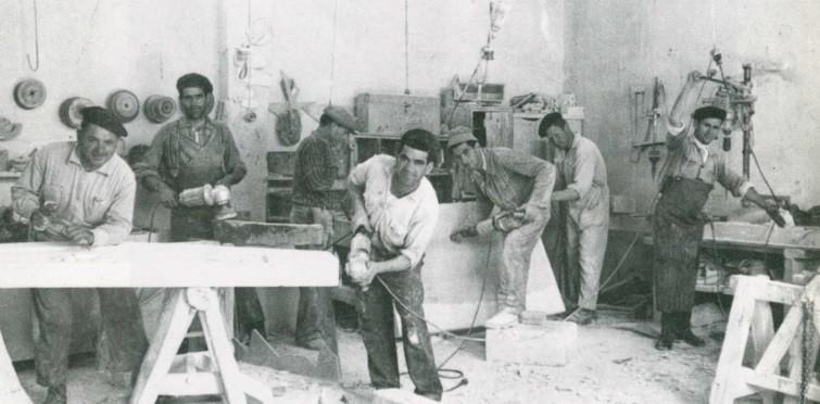 Oficina de canteiros, em meados do século XX | Tires