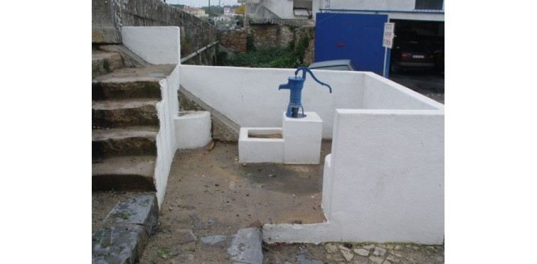 Chafariz com bomba de água | Janes