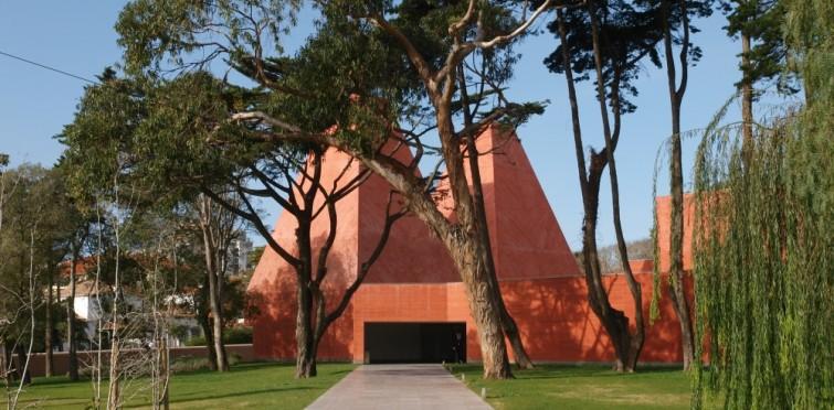 5: Jardim da Casa das Histórias Paula Rego