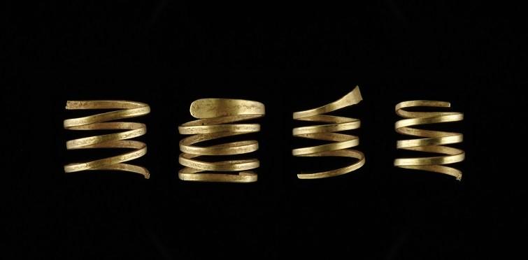 Conjunto de anéis de ouro em espiral | Gruta I de S. Pedro do Estoril