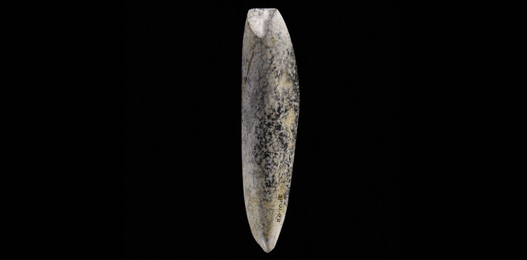 Goiva de pedra polida | Gruta II de S. Pedro do Estoril