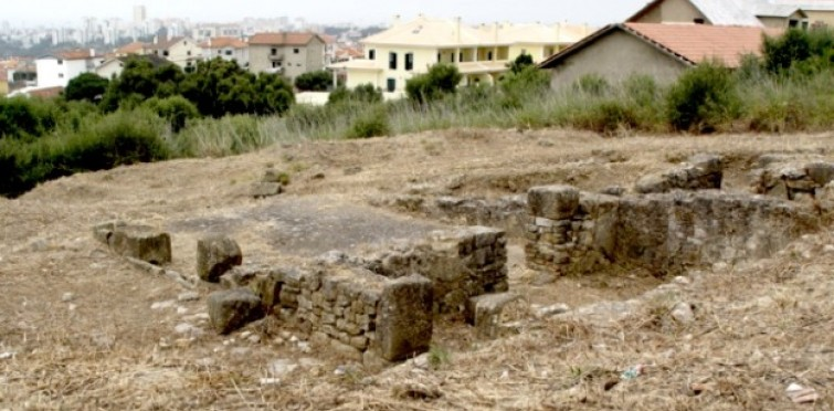 Aspeto das ruínas da casa senhorial da villa romana do Alto do Cidreira