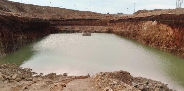 Água encontrada nas escavações que será drenada (Dez.2016)