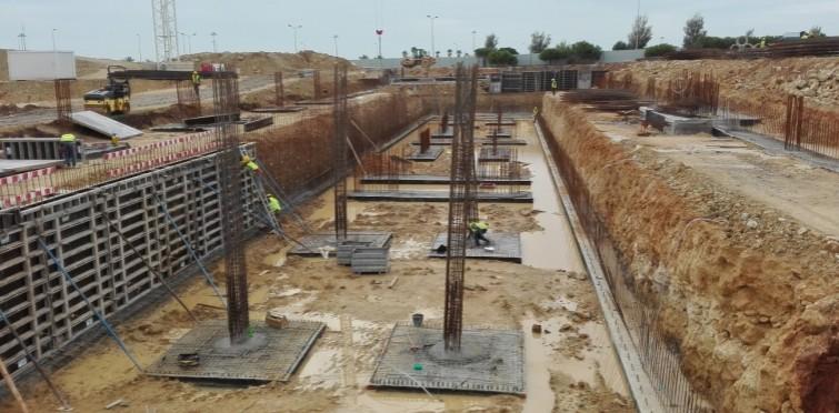 Trabalhos de estrutura da entrada do estacionamento e dos dois edifícios (Dez.2016)