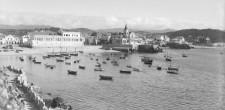 Barcos junto à Praia da Ribeira | Cascais, meados do século XX